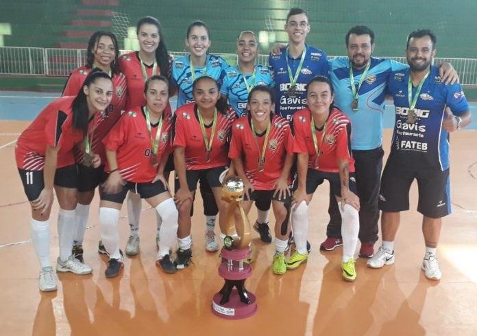 e7752739de A equipe de futsal feminino adulto de Telêmaco Borba venceu Piraí do Sul de  goleada